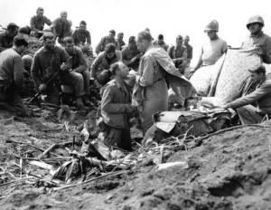 Roman-Catholic-Mass-at-Iwo-Yima-1945-US-forces.